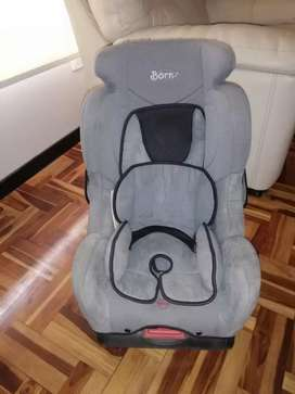 Asiento de Auto para Bebe marca Born
