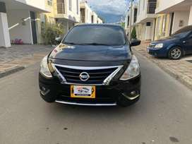 Espectacular Nissan Versa Advance