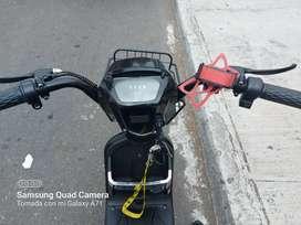Se vende moto eléctrica