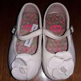 Zapatos bibi nro 21