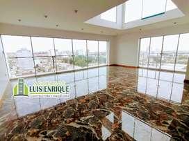 ESTRENO, Penthouse Dúplex, 237m2, Estacionamiento, 03 hab, 10°Piso, Urb. Primavera, Trujillo