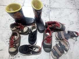 Zapatos de niño usados