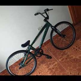 Bicicleta de bicicros poco uso