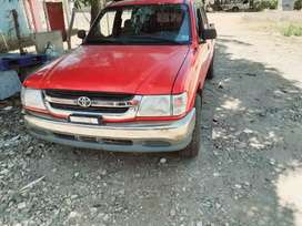 Toyota Hilux 2003 Manual.