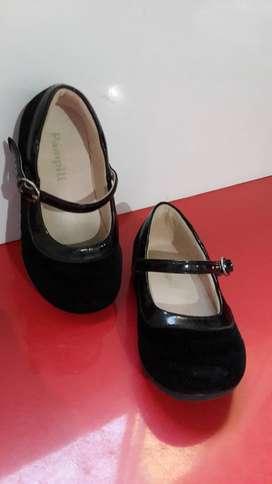 Hermosos zapatos Sevillana Talla 22 15cm
