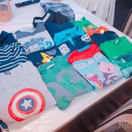 Lote de 14 camisetas de niño talle 8, 10 y 12
