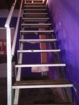 Vendo escalera de hierro