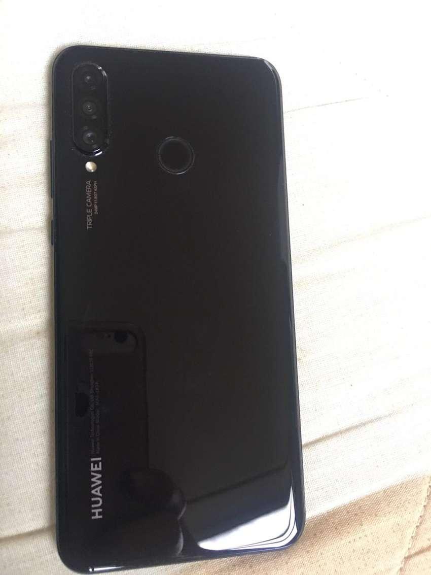 Vendo Huawei P30 Lite 0