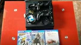 PS4 En Perfecto estado (Con caja) Mendoza 1 Joystick 7 Juegos 3 Físicos 4 Dijitales