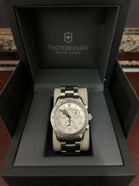 Hermoso reloj Victorinox cronografo