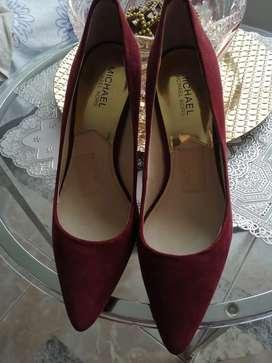 Zapatos vinotinto talla 40
