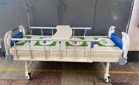 Cama clínica importada 2 manivelas nueva  con colchón ortopedico