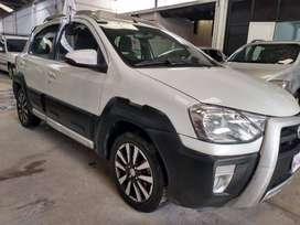 Toyota Etios Cross 1.5 Año 2015. Muy buen estado