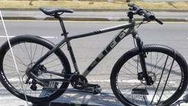 """Bicicleta Cliff 29"""" talla L 8V Freno Hidraulico"""