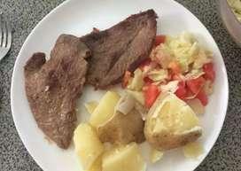 Me ofrezco como cocinera o ayudante practica