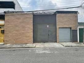 Local Comercial con espacio para taller o bodega