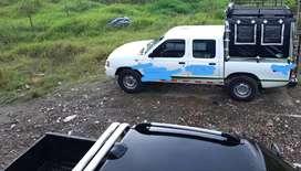 Ofrezco servicio de  transporte en comodas camionetas doblecabina para 8 pasajeros a cualquier parte del pais