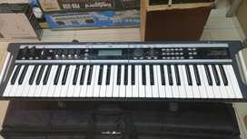 SINTETIZADOR, ELECTRONICO, PIANO, KORG X50 PUERTO USB COMO NUEVO.