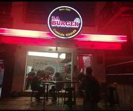 Se vende restaurante LA BURGER