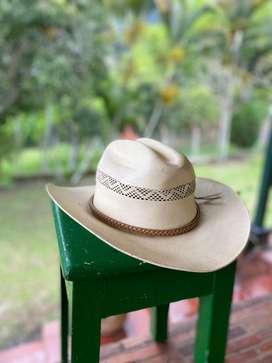 Sombrero Barbisio de ala ancha