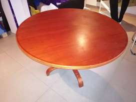 Vendo mesa de comedor redonda