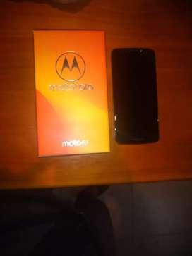 Motorola E5 en excelente estado para Movistar/Twenti con funda a elección