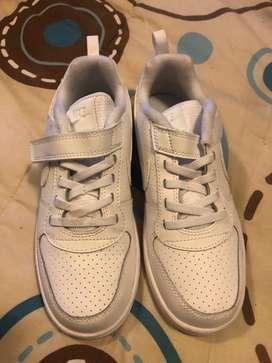 Zapatos deportivos Nike originales de niño Talla 1,5 o 33