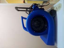 Secador industrial HIDROVAC(3 velocidades) de alfombra, tapizados,etc.Voltage 220v-240v/Potencia 900w/Peso 16kg.