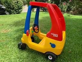Auto para niños con bocina impecable