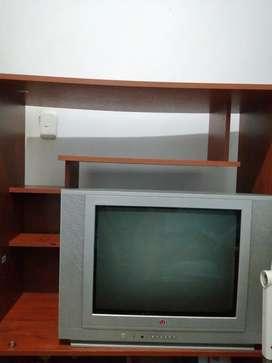Tv con repisa