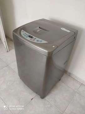 Lavadora LG Turbo drum 24lbs