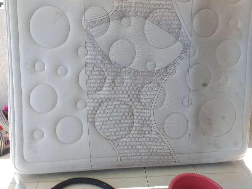 Lavado de muebles alfombras colchones cojineria de carro peluches cortinas en general
