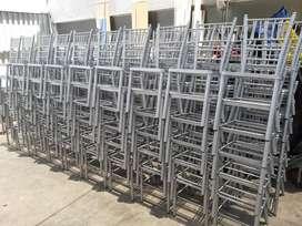 Ayudantes Fabrica de Muebles Metalicos