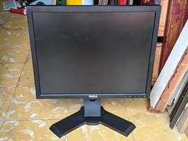 """Monitor Coorporativo - 19"""" DELL 1707FPt ( 1280×1024 )  Rotatoria - USB - VGA - DVI"""