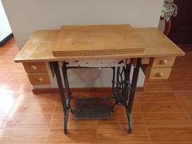 Máquina de coser SIMONS