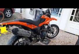en venta motocicleta Full XM Supermotard / modelo 2012 en buen estado