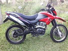 Vendo zanella cross 200cc