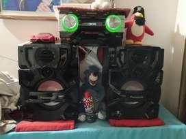 Equipo de sonido panasonic Sc akx700 2000 wats de potencia