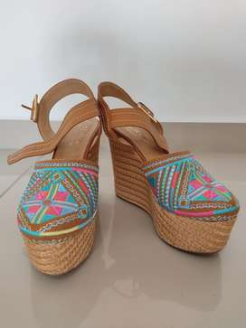 Vendo estos hermosos zapatos  un solo uso