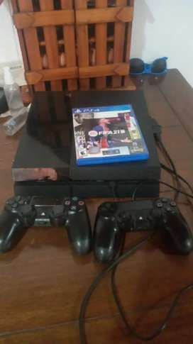 PLAY 4, FAT 500 GB, 2 CONT y FIFA 21
