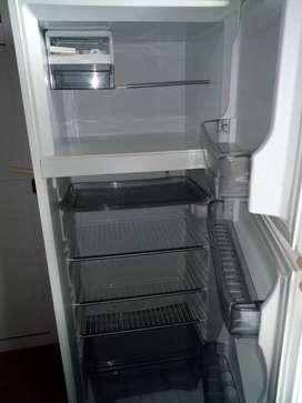 Vendo heladera seminueva por falta de uso