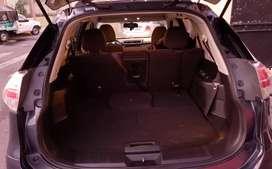 Modelo Sense, unico dueño, llantas nuevas y todos los mantenimientos en Nissan