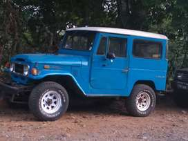 Vendo Toyota Land Cruiser del 72