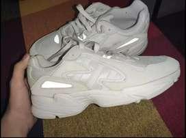 Zapatillas Adidas young 96 talle 9 1/2 us nuevas