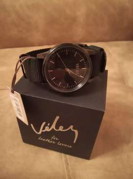 Reloj Vélez.
