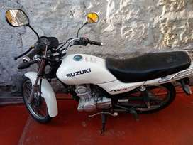 Alquiler de moto Suzuki Ax4 110