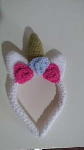 Vincha a crochet de unicornio nueva.
