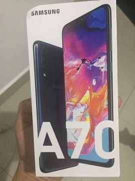 Samsung A70 negro 128gb y 6gb de RAM ( totalmente nuevo sellado y con factura) precio negociable