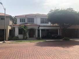 Casa Km 4 Samborondón 3D 350m2
