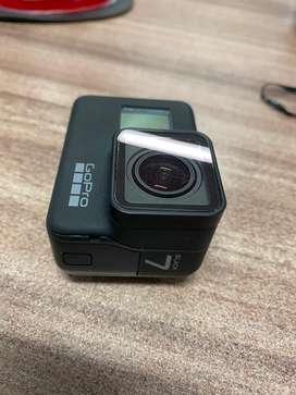 Oportunidad: GoPro Black 7 con full accesorios